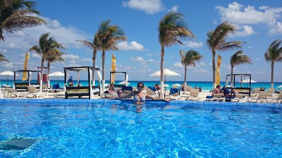 Piscina Do Hotel Nyx Cancun