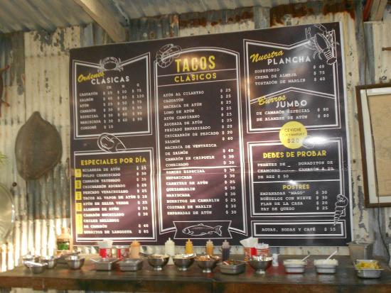 Tacos Marco Antonio : menu board