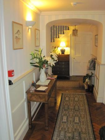 Glan y Dwr Bed & Breakfast: The lovely entrance hall (26/Feb/15).