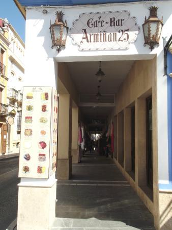 Cafe - Bar Arminan 25