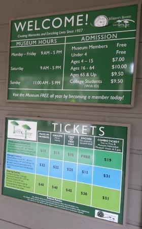 Tallahassee Museum: info stand