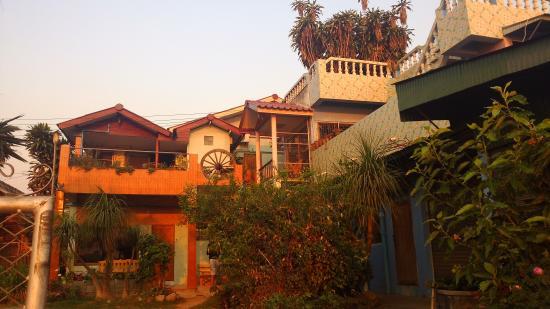 Chiang Saen Guest House: entrance