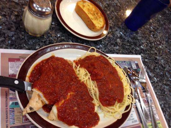 Baker's Restaurant: Marinated Chicken Parmesan