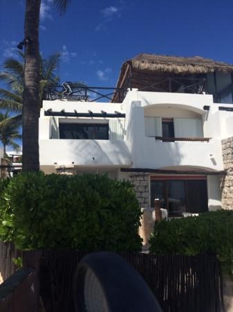 Pelicano Inn : back