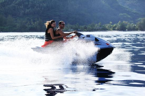 Polinesia Francesa: Jet skiing in Huahine