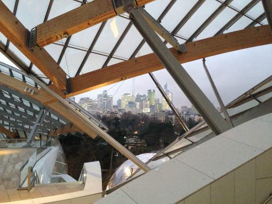 Fondation Louis Vuitton  LV Foundation. Fondation Louis Vuitton  Bisogna  arrivare all ultima terrazza per ammirare questa vista 62347d8a514