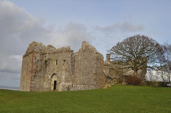 The Old Manse B & B: Weobley Castle