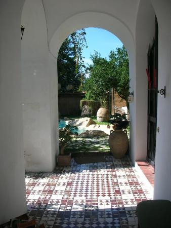B&B Villa Castelcicala: verso la piscina