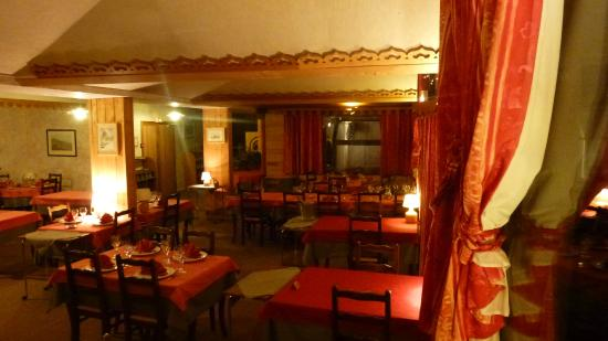 Hotel Adret: Salle de Restaurant