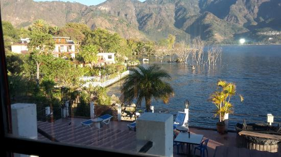 Mikaso Hotel Resto: Dachterrasse und Ausblick