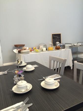 Argyll Western Hotel : Buffet breakfast table