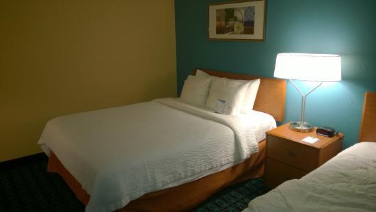 Fairfield Inn Minot: Bed