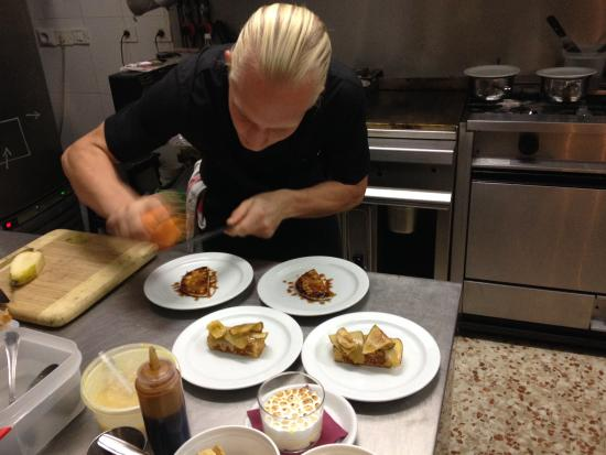 Taste Meson Gran Canaria: Chef Lindrgren Platiing