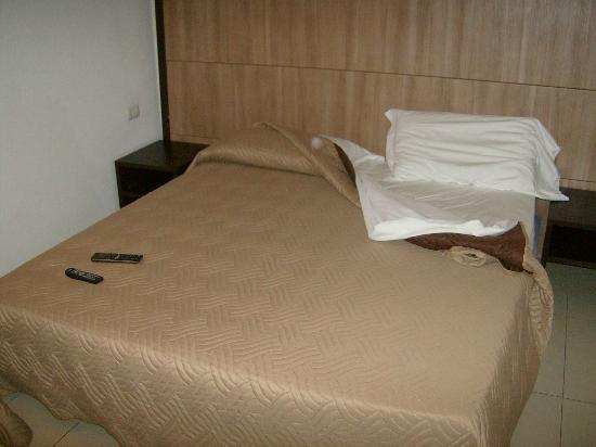 CiampinoHotel: camera da letto