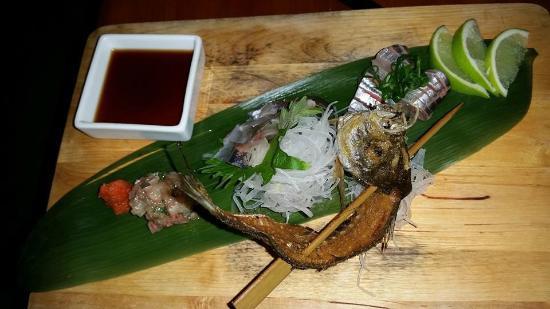 Aah Loi Thai and Sushi