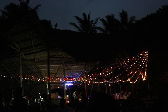 Mbalamwezi Beach Club: By night