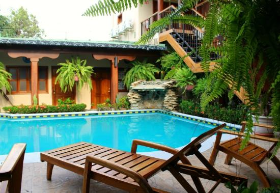Hotel La Mar Dulce: Pool Area