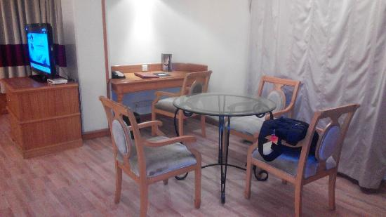 The Maya Hotel : suit room dining table