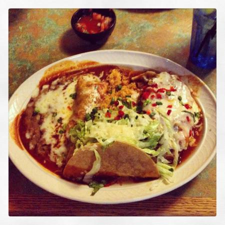 Toto's Mexican Restaurant: Shredded beef enchilada, shredded beef taco, chili reline, rice and beans