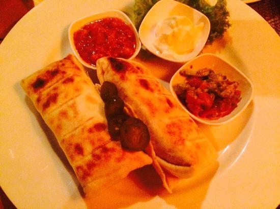 Sala Mexicali : burritos dos