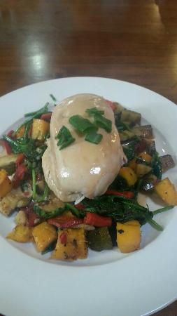 Cafe 109: Chicken breast with almonds, brie cheese and veggies