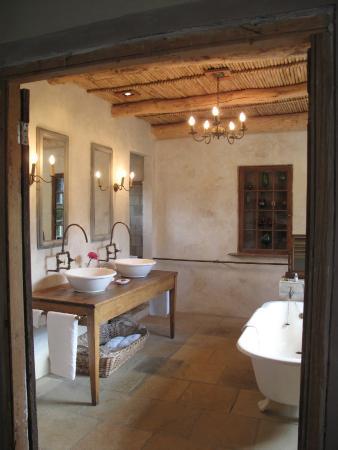 Boesmanskop: Bathroom