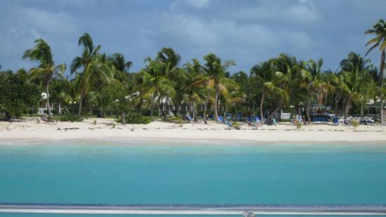 Simpson Bay, St-Martin/St Maarten : Anchored at Anguilla Rendezvous Bay