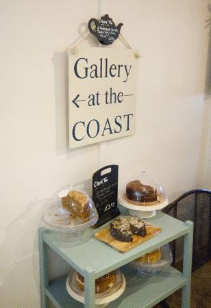The Coast Inn: the fresh cakes that we nearly stole