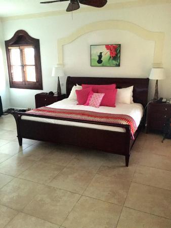 Cap Estate, Sta. Lucía: Huge Master Bedroom
