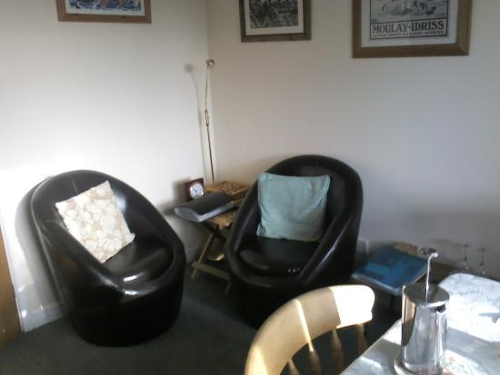 Twentysix Guesthouse: Sitting room