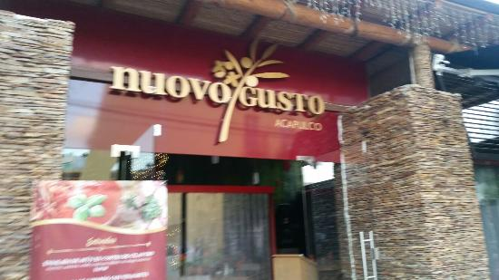 Nuovo Gusto : From the street