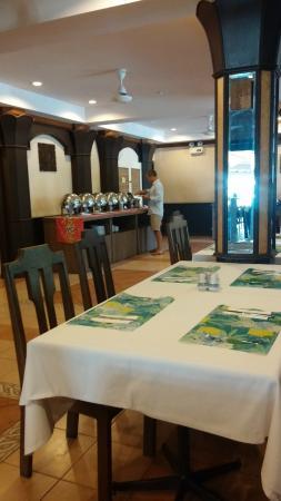 Coconut Village Resort : завтрак - шведский стол