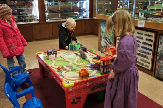 Lincoln Train Museum: Play with Chuggington and friends!