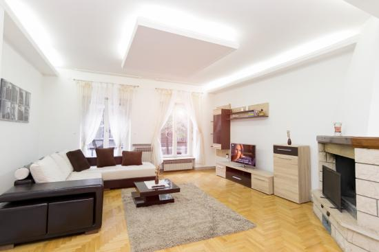 Central Park Residence Deluxe One Bedroom Apartment With Fireplace