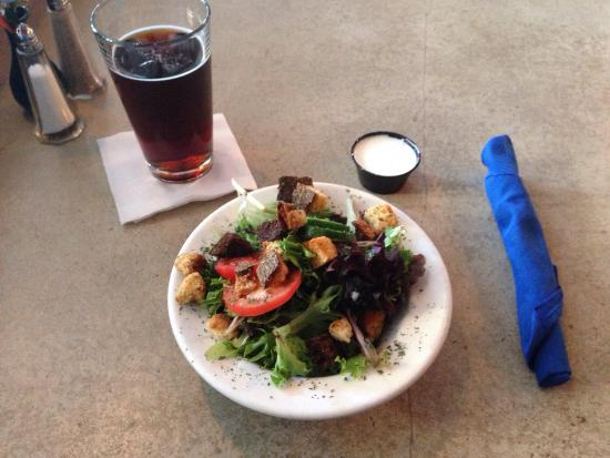 The Blue Canoe Brewery: Side salad and seasonal beer special toasted honey lager