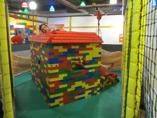 LEGOLAND Discovery Center Westchester: Big Lego Bricks Make Big Lego Houses!