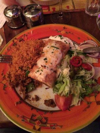 Los Amigos Mexican Cantina: Amazing beef chimichanga!