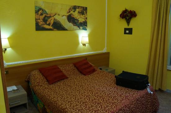 Rome Downtown Accomodation: Our room