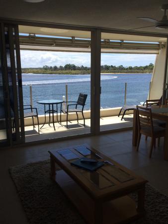 Noosa Harbour Resort : u35 great outlook, good size balcony, open plan