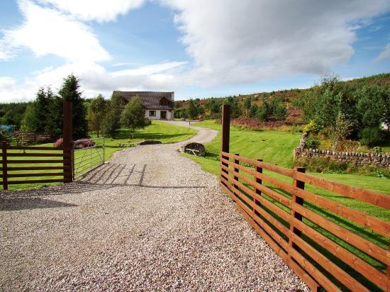 Binnilidh Mhor: One Hour Drive from the Island of Skye