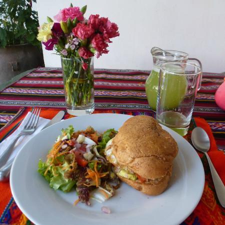 Intihuatana Lounge: hamburguesa y limonada