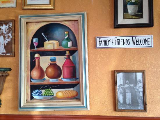Mando's Restaurant : Dining Room