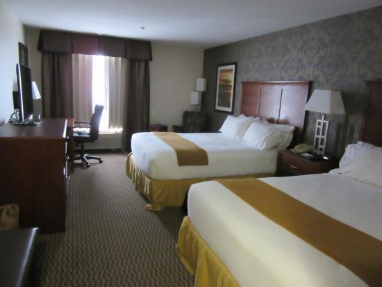 2 Queen Bed