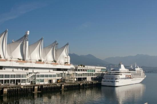 Luxury Transport - Day Tours: Vancouver Cruise Pier