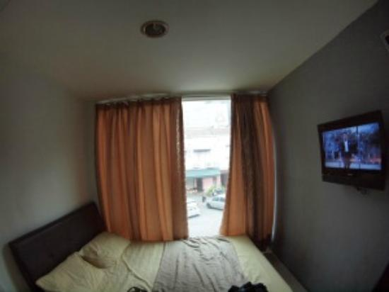 Joy Inn Hotel : 窓