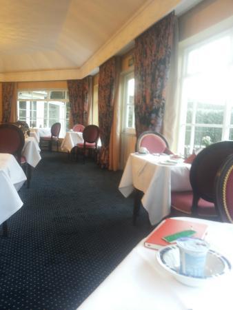 Grange Lodge Hotel: Great breakfast in cool room