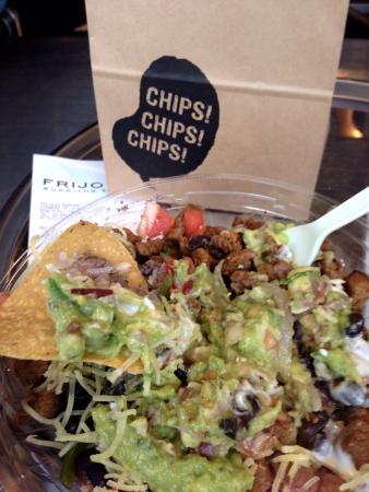 Frijoles Burritos & Tacos Roppongi: Burrito bowl with tortilla chips.