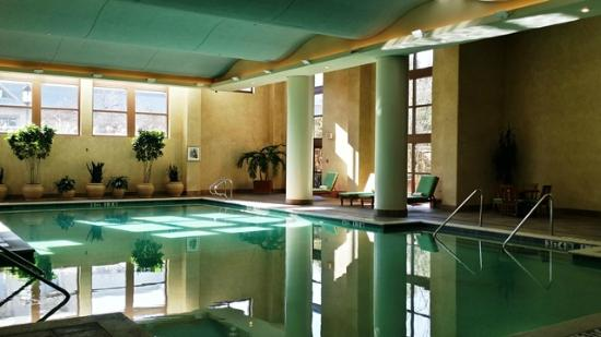 Hotel Rooms With Indoor Pool