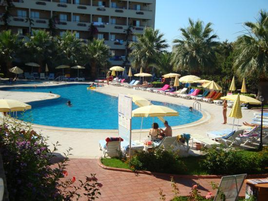 Aska Bayview Resort: Бассейн