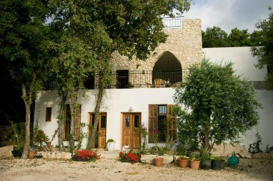 Batroun Bed And Breakfast